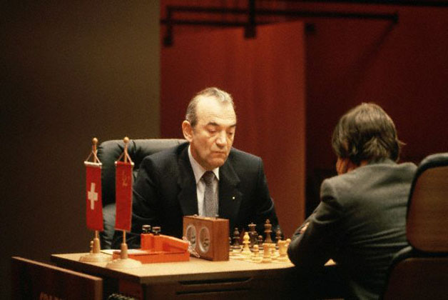 October 1981, Merano, Italy --- Viktor Korchnoi plays chess against Karpov. --- Image by © Vittoriano Rastelli/CORBIS