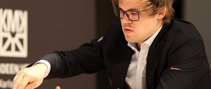 Carlsen arrasa en el Norway Chess Blitz